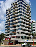 Beachfront Towers - Whitsundays Accommodation