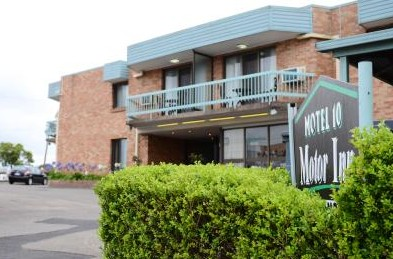 Motel 10 Motor Inn - Whitsundays Accommodation
