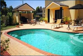 Hopkins House Motel  Apartments - Whitsundays Accommodation