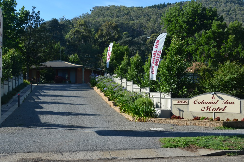Bright Colonial Inn Motel - Whitsundays Accommodation