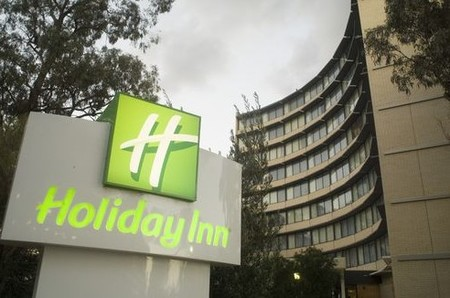 Holiday Inn Melbourne Airport - Whitsundays Accommodation