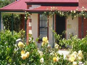 Wine And Roses Bed And Breakfast - Whitsundays Accommodation