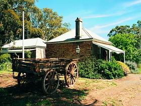 Reilly's Wines Heritage Cottages - Whitsundays Accommodation