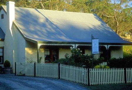 Country Pleasures Bed and Breakfast - Whitsundays Accommodation