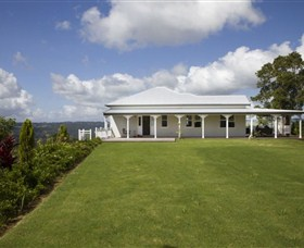 Montville Lake Terrace - Whitsundays Accommodation