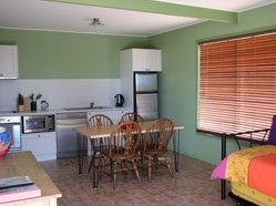 Fossickers Cottages - Whitsundays Accommodation