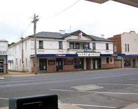 Globe Hotel Bombala - Whitsundays Accommodation