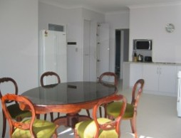 Olas Holiday House - Whitsundays Accommodation