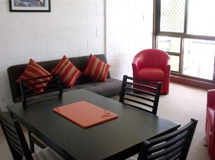 Como Holiday Apartments and Tropical Nites Motel - Whitsundays Accommodation