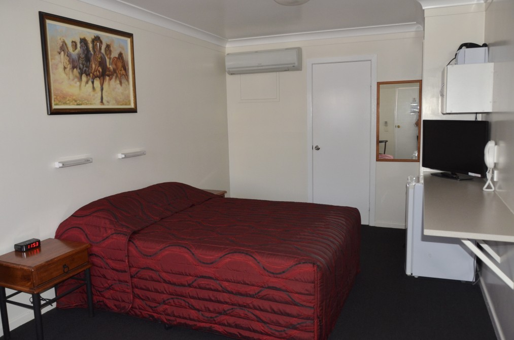 Waltzing Matilda Motor Inn - Whitsundays Accommodation
