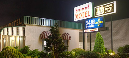 Boulevard Motel - Whitsundays Accommodation