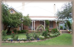 Guy House Bed and Breakfast - Whitsundays Accommodation