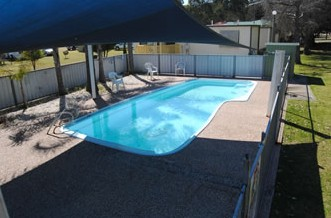 Crows Nest Caravan Park - Whitsundays Accommodation