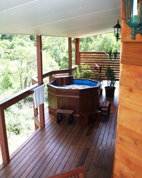 Ravensbourne Escape Holiday Cottages - Whitsundays Accommodation