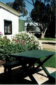 Dunalan Host Farm Cottage - Whitsundays Accommodation