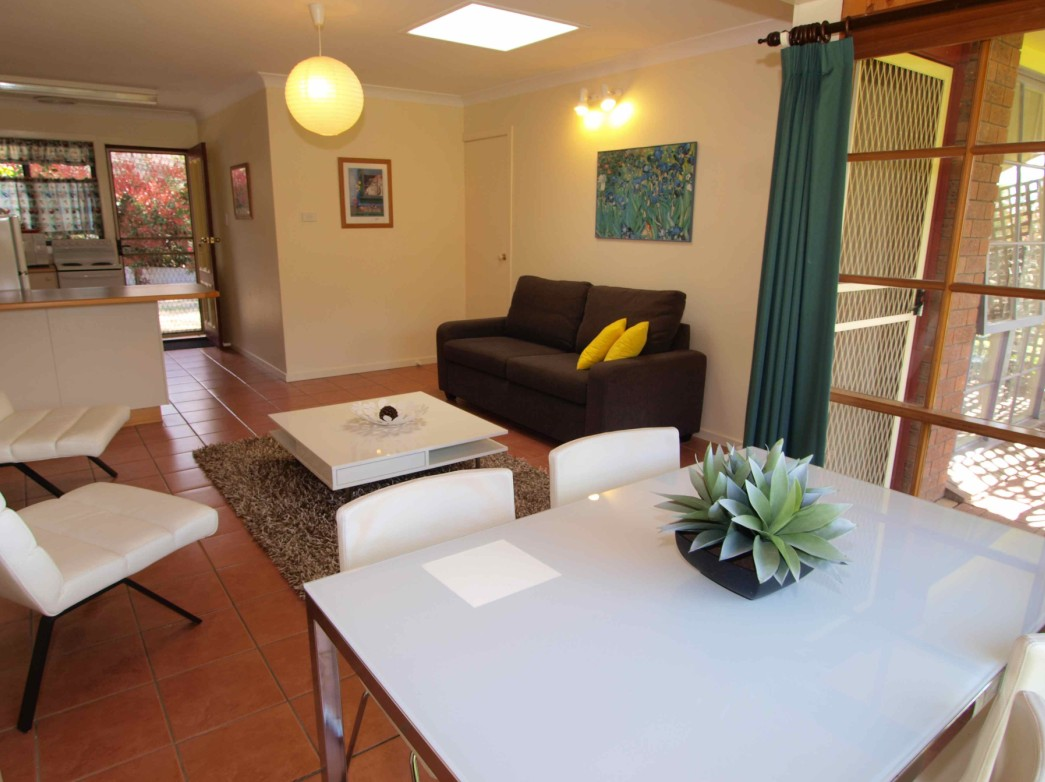 Bright Highland Valley Cottages - Whitsundays Accommodation