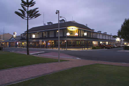 Grand Tasman Hotel - Whitsundays Accommodation