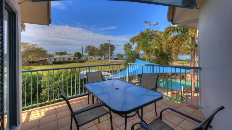 Dolphin Waters Holiday Apartments - Whitsundays Accommodation