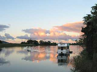 Tweed River Houseboats - Whitsundays Accommodation