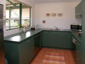 Cocos Beach Bungalows - Whitsundays Accommodation