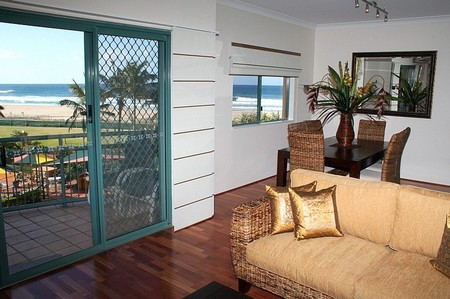 Currumbin Sands on the Beach - Whitsundays Accommodation