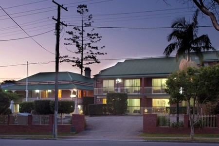 Aabon Holiday Apartments  Motel - Whitsundays Accommodation