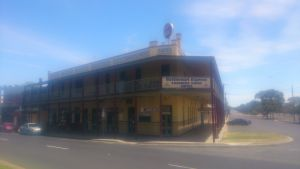 Farmers Arms Hotel - Whitsundays Accommodation