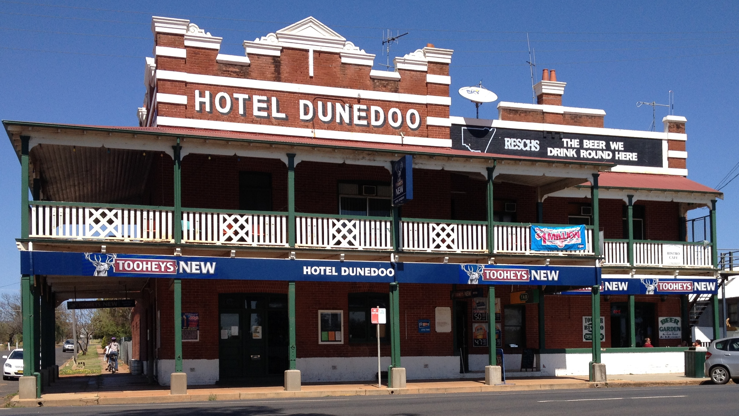 Dunedoo Hotel - Whitsundays Accommodation