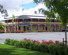 The Boorowa Hotel - Whitsundays Accommodation