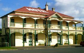 Branxholm Hotel - Whitsundays Accommodation