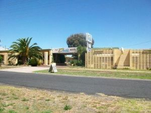 Nhill Oasis Motel - Whitsundays Accommodation