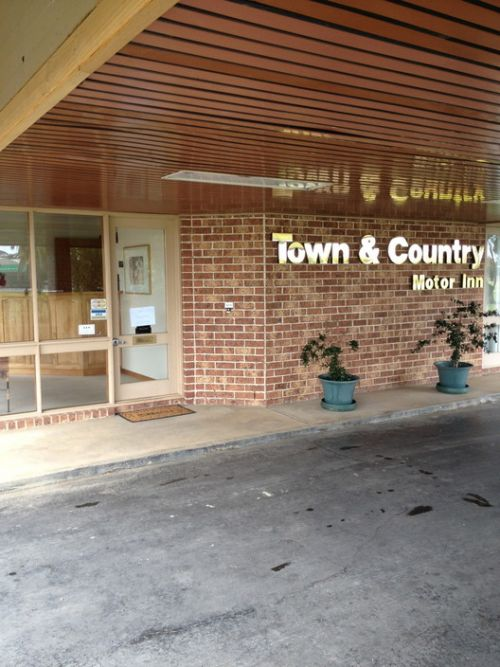 Town amp Country Motor Inn Forbes - Whitsundays Accommodation