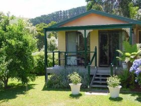 Ripplebrook Cottage - Whitsundays Accommodation