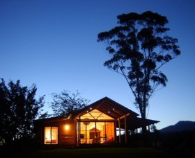 Promised Land Cottages - Whitsundays Accommodation