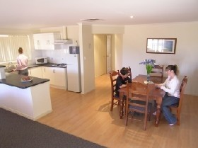 Copper Cove Holiday Villas - Whitsundays Accommodation