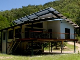 Creek Valley Rainforest Retreat - Whitsundays Accommodation