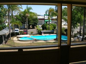 Bucketts Way Motel and Restaurant - Whitsundays Accommodation