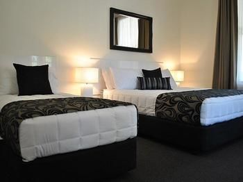 Heritage River Motor Inn - Whitsundays Accommodation