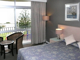 Scamander Beach Hotel Motel - Whitsundays Accommodation