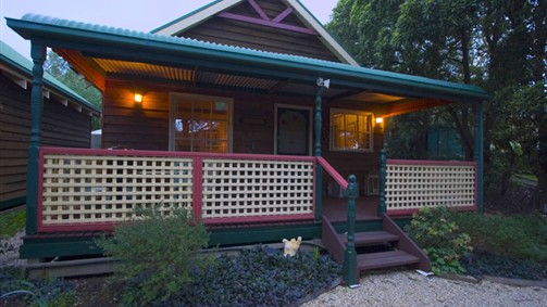 Trawool Cottages  Farmstay - Whitsundays Accommodation