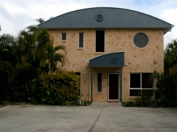Beach House Redcliffe - Whitsundays Accommodation