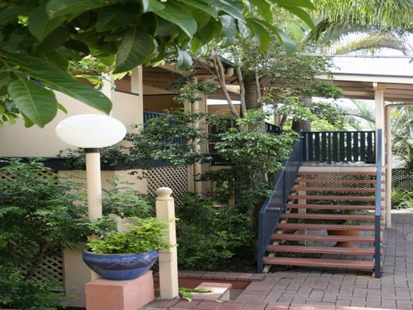 City Palms Motel - Whitsundays Accommodation