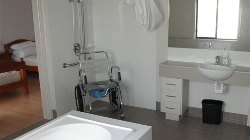 Frankston Accessible Holiday House - Whitsundays Accommodation