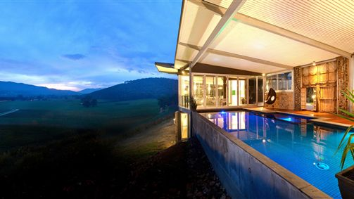 Feathertop Chateau - Whitsundays Accommodation