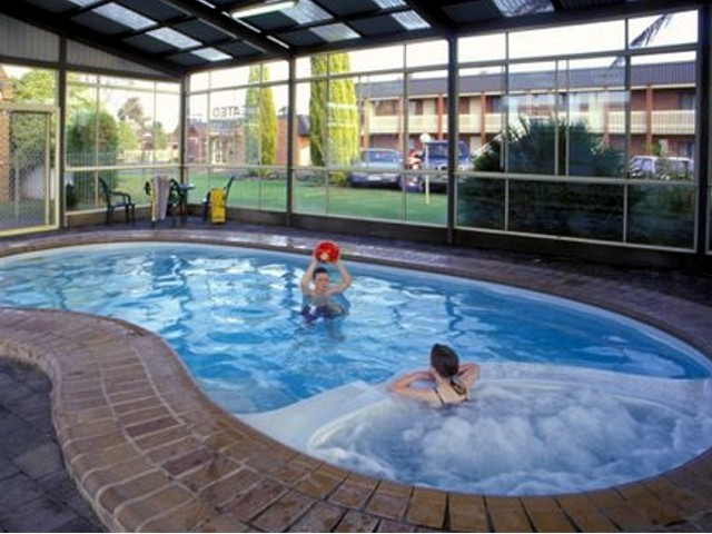 Arkana Motor Inn  Terrace Apartments - Whitsundays Accommodation