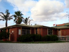 Foundry Palms Motel - Whitsundays Accommodation