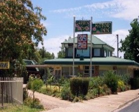 Garden Court Motor Inn - Whitsundays Accommodation