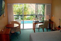 Motel 98 - Whitsundays Accommodation