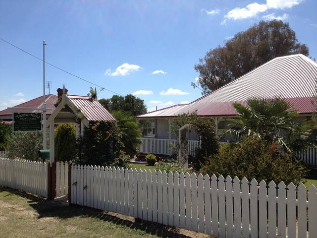Tenterfield Luxury Historic c1895 Cottage - Whitsundays Accommodation