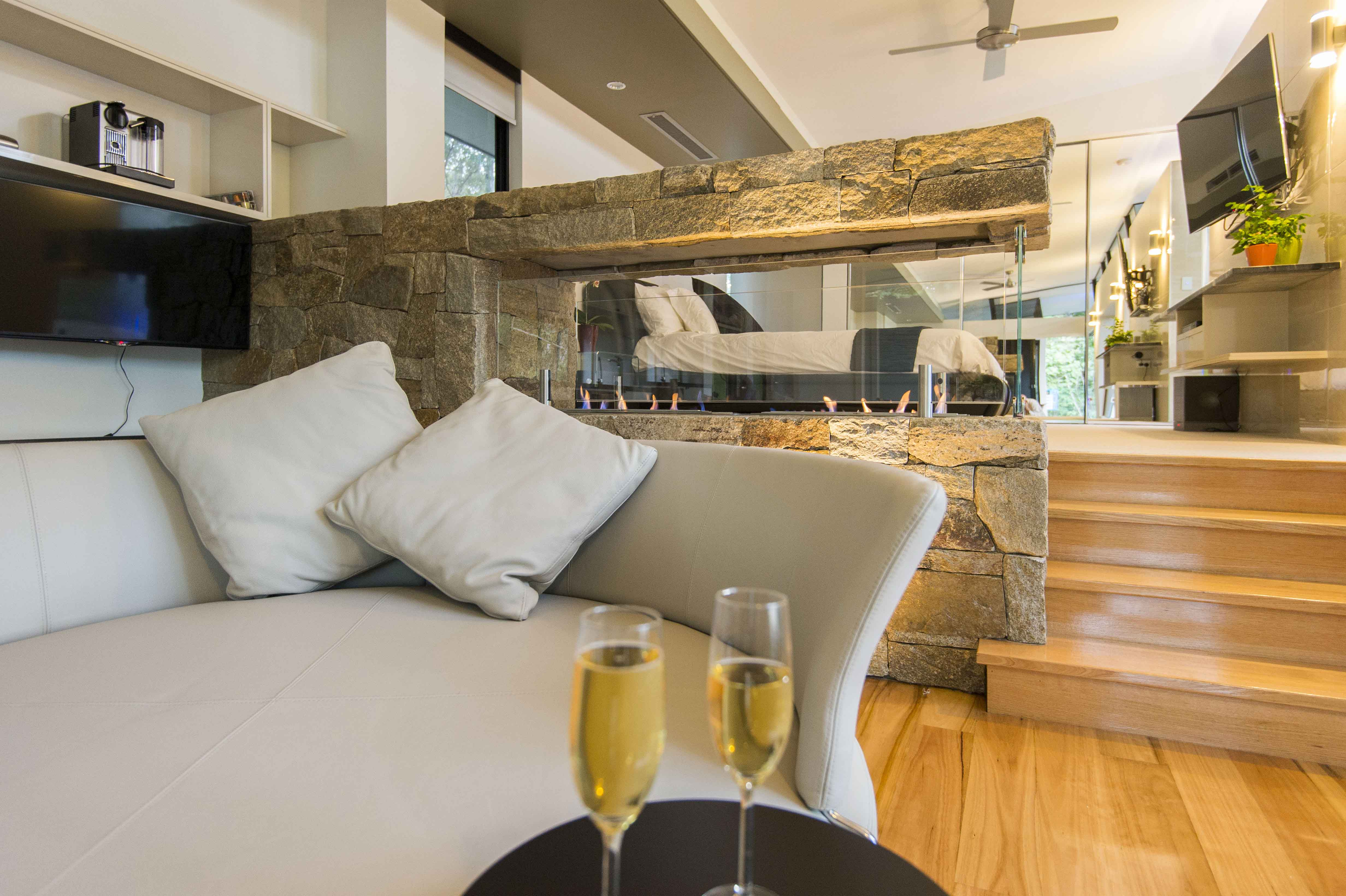 The Feathered Nest - Luxury Wildlife Retreat - Whitsundays Accommodation